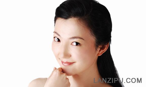 天津新闻广播 芬菲照片